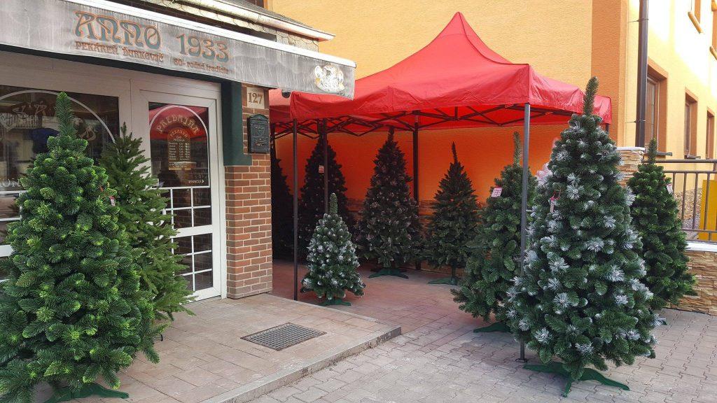 umelé vianočné stromčeky Bošany