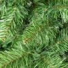 Detailní fotka větviček umělého vánočního stromku Jedle Kavkazská.
