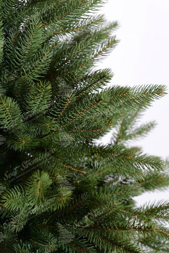 Deailná fotka 3D jehličí umělého vánočního stromku Smrk Alpský. Jehličí mě dokonalý tvar i barvu a proto vypadá jako pravé jehličí.