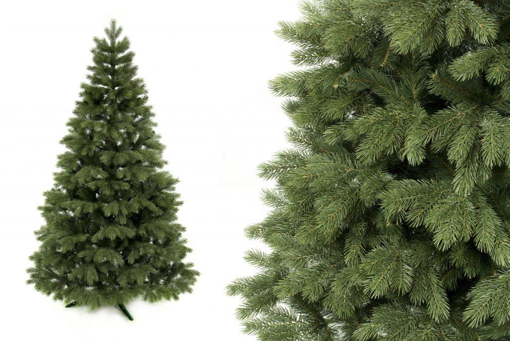Umělý vánoční stromek 3D Borovice himalájská. V pravo na fotce je detail 3D jehlici větviček.