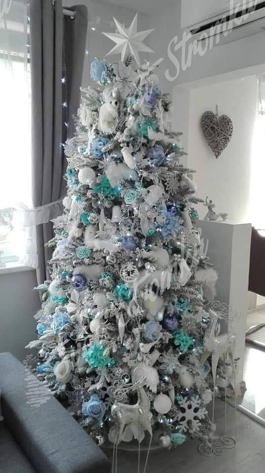 Ozdobený bílý vánoční stromeček 3D Smrk Královský 210cm