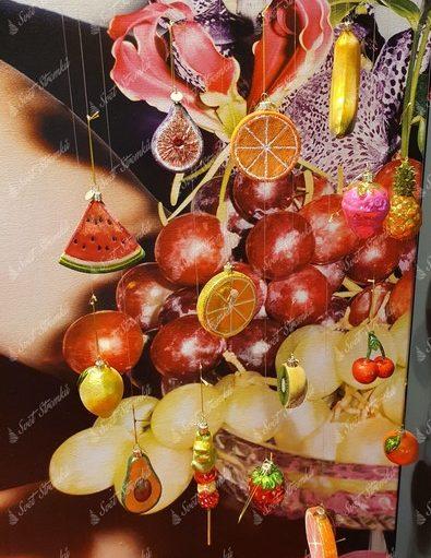 Vánoční ozdoby na stromeček ve tvaru melounu, pomeranče, jahody, kiwi, banán a citronu.