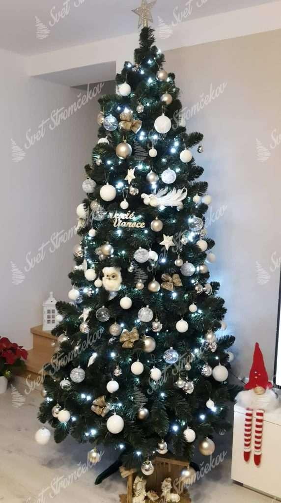 Ozdobený umělý vánoční stromek Borovice Přírodní 250cm