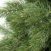 Detailní fotka 3D jehličí umělého vánočního stromku Borovice Himalájská.